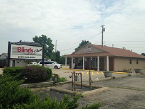 Photo of New Centerville Store and Sign
